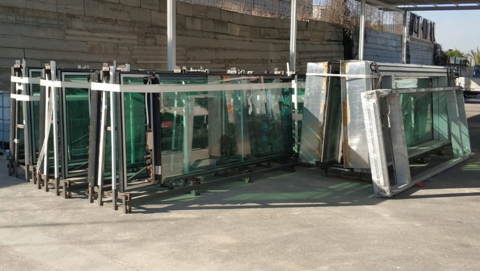 InDeWaG Fluid Flow Glazing façade elements are waiting for loading